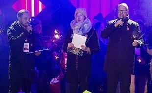 Pawel Adamowicz (à dr.) à Gdansk, peu avant son agression, le 13 janvier 2019.