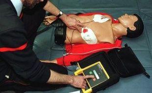 Le casino gersois de Castéra-Verduzan (groupe Vikings casinos) va prochainement se doter d'un défibrillateur destiné à sauver la vie des joueurs victimes d'un malaise cardiaque, a-t-il indiqué mercredi.