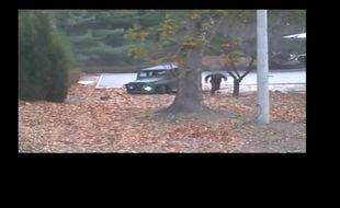 Les images de la fuite du défecteur, poursuivi par les soldats nord-coréens.