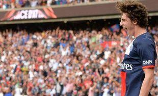Adrien Rabiot fête son but contre Guingamp le samedi 31 août 2013.