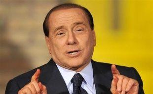 Le chef du gouvernement italien Silvio Berlusconi a déclaré vendredi que l'Italie fera tout pour obtenir l'extradition de l'ex-activiste de gauche Cesare Battisti, auquel le Brésil a accordé le statut de réfugié politique.