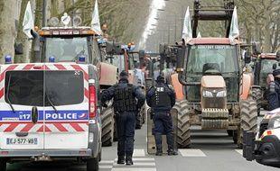 500 tracteurs ont bloqué le centre-ville de Lille.