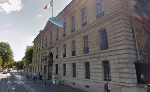 La façade du palais de l'Alma, au 11 quai Branly, à Paris (Google Street View).