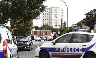 Intervention de la police après la découverte d'un laboratoire clandestin d'explosifs, le 6 septembre 2017 à Villejuif, près de Paris