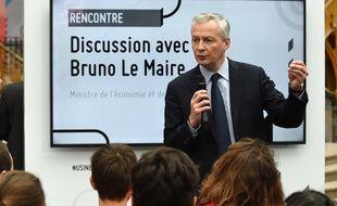Le ministre de l'Economie Bruno Le Maire s'adresse à des étudiants lors de sa visite au salon de «L'Usine extraordinaire» à Paris, le 23 novembre 2018.
