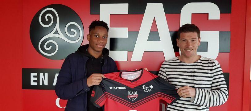 Isaac Drogba a signé un contrat avec Guingamp et jouera avec les U19.