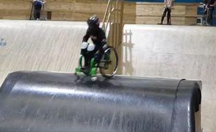 Lily Rice, 13 ans, est devenue la première européenne à réaliser un backflip en fauteuil