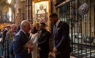Le Prince Charles en pleine discussion avec Anthony Joshua
