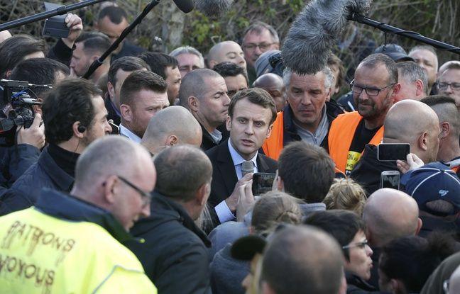 Emmanuel Macron a rendu une visite très tendue aux ouvriers de Whirlpool à Amiens mercredi 26 avril 2017.