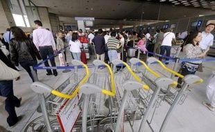 De vendredi à dimanche, Air France attend à Orly 126.000 voyageurs, dont 49.000 pour la seule journée de vendredi, et à Roissy 370.000 personnes, dont 124.000 vendredi.