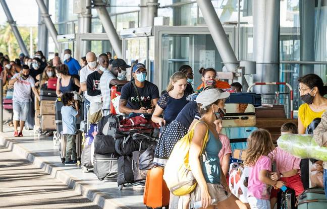 Coronavirus: Un avis du Conseil scientifique mi-juillet appelait à des mesures plus strictes face aux arrivées de l'étranger