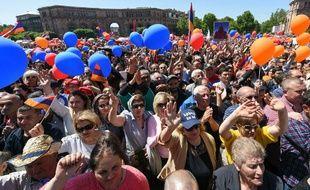 Le 1er mai 2018,   des sympathisants du leader de l'opposition arménienne Nikol Pachinian se sont rassemblés au centre de la capitale arménienne.