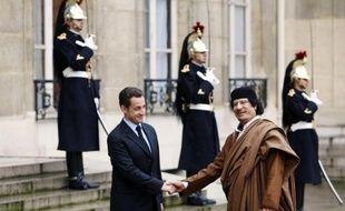 L'ex-Premier ministre libyen al-Baghdadi al-Mahmoudi, emprisonné en Tunisie, a affirmé que le régime de Mouammar Kadhafi avait financé la campagne 2007 du candidat Nicolas Sarkozy, ont rapporté jeudi à Tunis ses avocats.