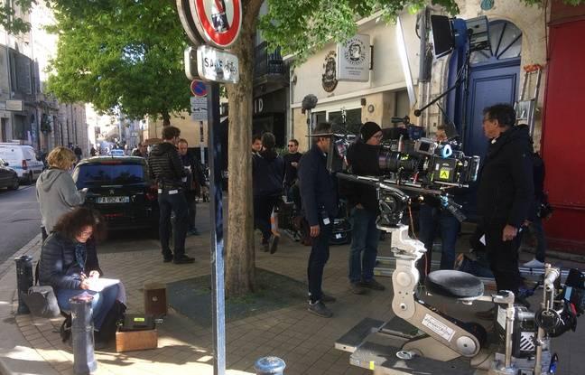 L'équipe de tournage de la série Mongeville était ce mercredi rue du Mirail à Bordeaux.