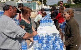 Trois litres d'eau ont été donnés aux habitants et 3 camions-citernes mobilisés.