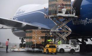 Un avion cargo à l'aéroport de Brest-Bretagne, le 10 mars 2020 (image d'illustration).