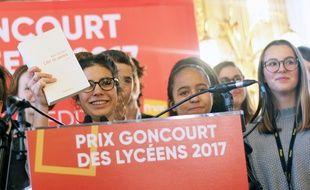 Le prix Goncourt des lycéens 2017 a été attribué au roman L'Art de perdre d'Alice Zeniter.