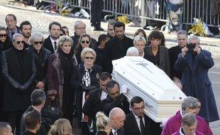 Le cortège funéraire accompagnant le cercueil de Johnny Hallyday le 11 décembre 2017.