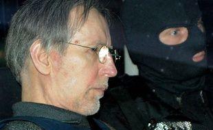 Le tueur en série Michel Fourniret quitte Charleville-Mézieres, la 13 mai 2008.