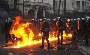 Manifestations à Athènes devant le Parlement le 12 février 2012