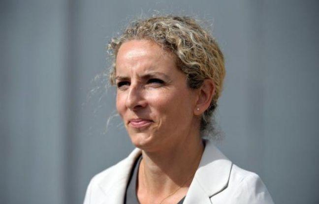 """La ministre de l'Ecologie et de l'Energie Delphine Batho a démenti catégoriquement mercredi que le gouvernement s'apprête à """"entrouvrir la porte"""" à l'exploration expérimentale des gaz de schiste, comme le laissait entendre un article paru dans le Figaro."""