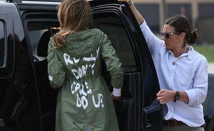 Melania Trump sur la base d'Andrews, dans le Maryland, avant son départ pour le Texas, le 21 juin 2018.