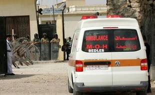 Un Palestinien a été tué et deux autres blessés, dont un enfant, samedi soir lors d'un raid aérien israélien à Jabaliya, dans le nord de la bande de Gaza, a-t-on indiqué de sources médicales palestiniennes.