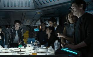 Les membres de l'équipage du vaisseau spatial Covenant, dans le film Alien.
