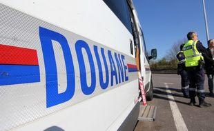 L'homme, qui revenait d'Espagne, a accéléré malgré les sommations de la douane des Landes au péage de Saugnacq-et-Muret sur l'A63
