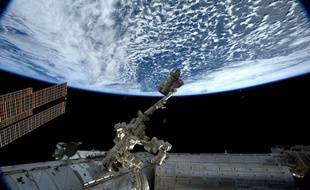 La Terre vue de l'ISS par l'astronaute italienne Samantha Cristoforetti.