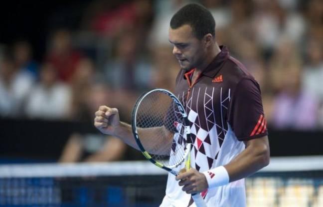 Jo-Wilfried Tsonga, tête de série N.1 et N.8 mondial, s'est qualifié pour les quarts de finale du tournoi de Metz en battant son compatriote Clément Reix 6-3, 6-3, mercredi.