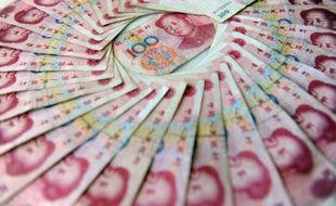 Photo de billets de 100 yuans chinois, prise le 17 mars 2010