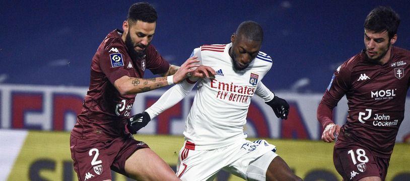 Karl Toko Ekambi a bien cru avoir inscrit un but essentiel, dimanche à 0-0 contre Metz. Mais ça, c'était avant l'intervention du VAR. JEAN-PHILIPPE KSIAZEK