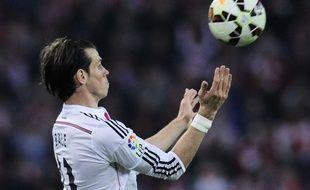 Gareth Bale contrôle le ballon lors d'un match du Real Madrid