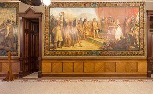 L'université de Notre Dame aux Etats-Unis va couvrir des fresques consacrées à Christophe Colomb.