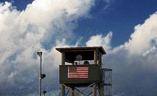 Les Etats-Unis se sont dits prêts jeudi à discuter avec les talibans afghans d'un échange de prisonniers, un soldat américain détenu depuis 2009 contre des islamistes emprisonnés à Guantanamo, dans le cadre d'une relance du dialogue entre Washington et les insurgés.