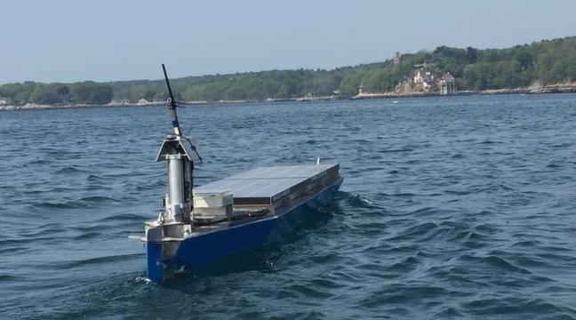 video le bateau robotique solar voyager tente la travers e de l 39 atlantique. Black Bedroom Furniture Sets. Home Design Ideas