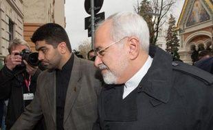 Le ministre iranien des Affaires étrangères Mohammad Javad Zarif arrive à l'ambassade iranienne à Vienne le 18 novembre 2014 dans le cadre de la reprise des négociations avec les Occidentaux sur le nucléaire