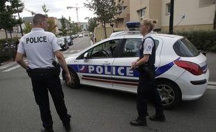 Des policiers. (Illustration)