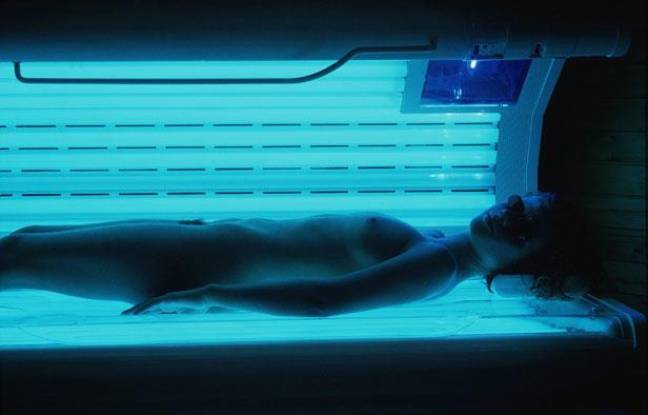 cancers de la peau faut il interdire les cabines uv. Black Bedroom Furniture Sets. Home Design Ideas