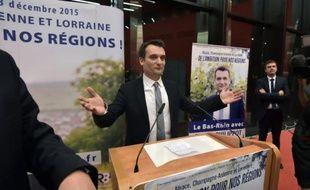 Le numéro 2 du FN Florian Philippot s'exprime à Strasbourg le 6 décembre 2015