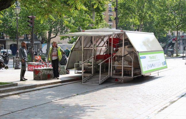 Paris compte désormais cinq trimobiles, des déchetteries de poche, déployées en dix minutes chronos, et qui permet d'approcher au près des Parisiens.