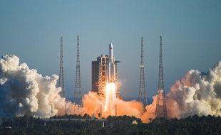 Lors du lancement, en Chine, le 5 mai.