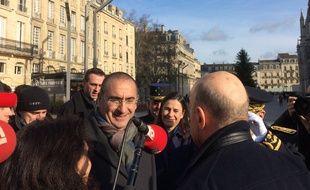 Le secrétaire d'Etat auprès du ministre de l'intérieur a rencontré Alain Juppé en début d'après-midi à Bordeaux.