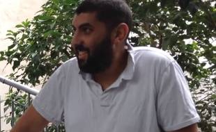 Capture d'écran d'une vidéo du compte YouTube de Skyrock, «Momo de La Radio Libre - ALS Ice Bucket Challenge»