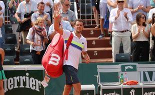 Paul-Henri Mathieu salue une dernière fois le public de Rolland-Garros.