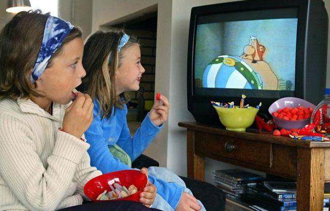 les enfants consomment toujours trop de sucre et de gras. Black Bedroom Furniture Sets. Home Design Ideas