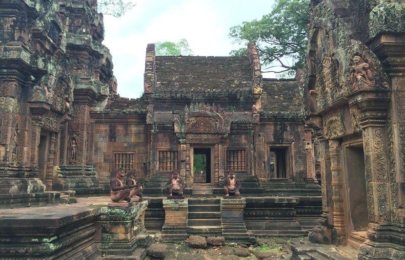 Cambodge : Découverte d'un corps et d'une tête de Bouddha lors de fouilles