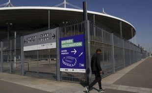 Un centre de vaccination XXL ouvre au stade de France