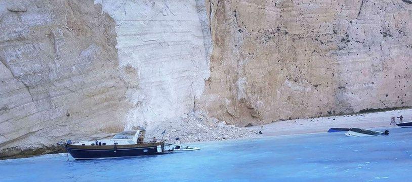 L'éboulement sur la plage Navagio (Grèce) a fait sept blessés jeudi 13 septembre 2018.